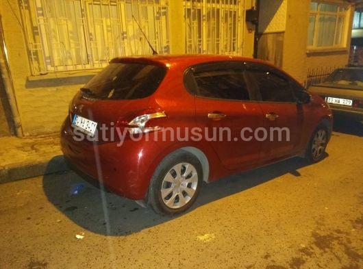 2015 208 Kırmızı Otomatik Bayan Arabası 5 Kapı Ihtiyaçtan